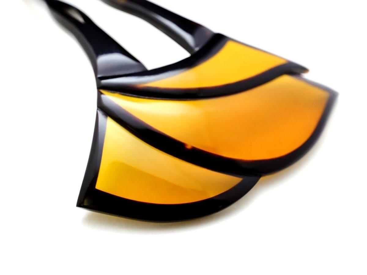 ステンドグラスのように美しいべっ甲かんざし2021|べっ甲の特性を巧みに用いて制作。礼装から普段のキモノまでお勧め。