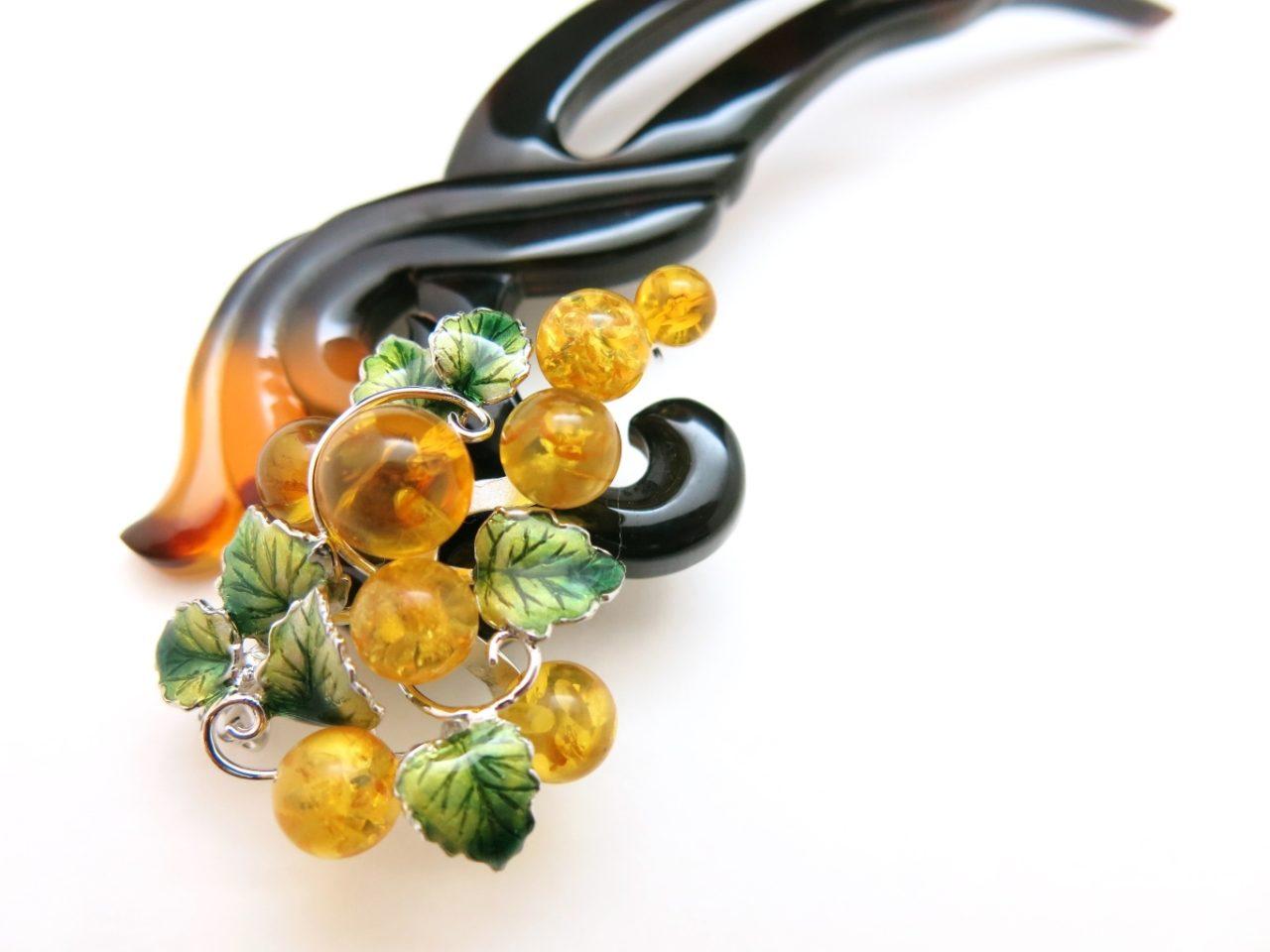 べっ甲葡萄装飾付き4WAYかんざし|縁起物の葡萄(琥珀・七宝・銀(SV925)製)を添えたユニークなかんざし。
