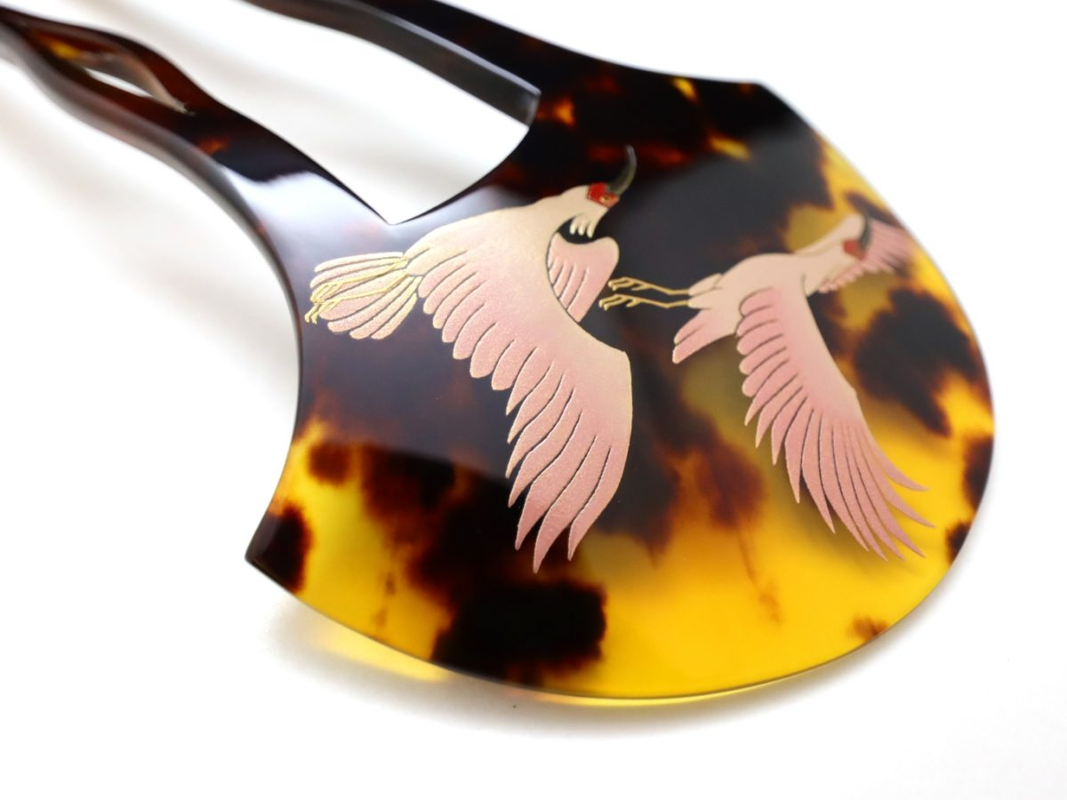 茨布べっ甲朱鷺金蒔絵かんざし|鶴と並び日本を象徴する朱鷺の番いを見事に描いたかんざし。
