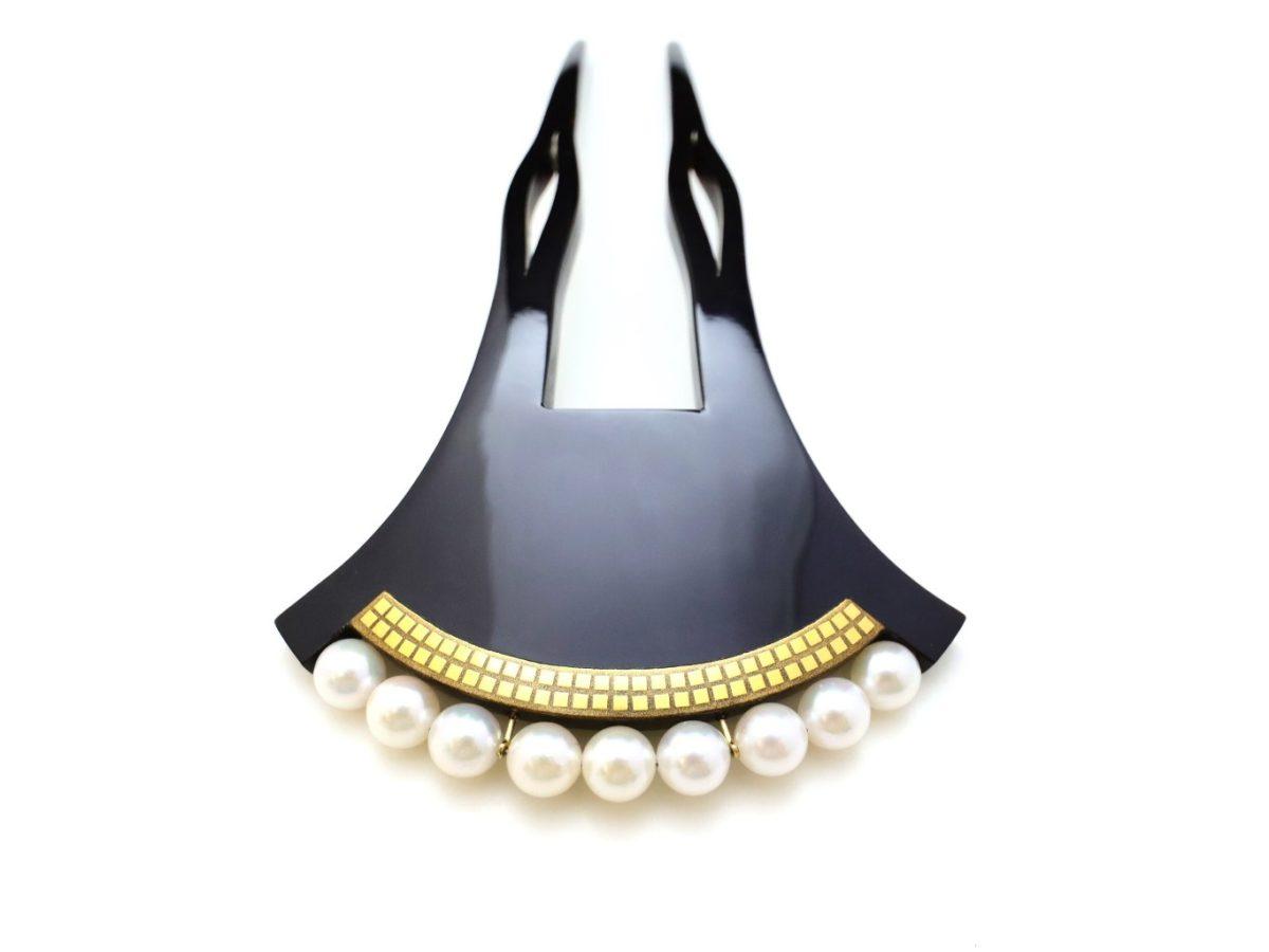黒べっ甲截金金蒔絵パール9個付きかんざし2021 黒留袖、訪問着、結婚式やパーティーなど華やかな機会にお勧め。