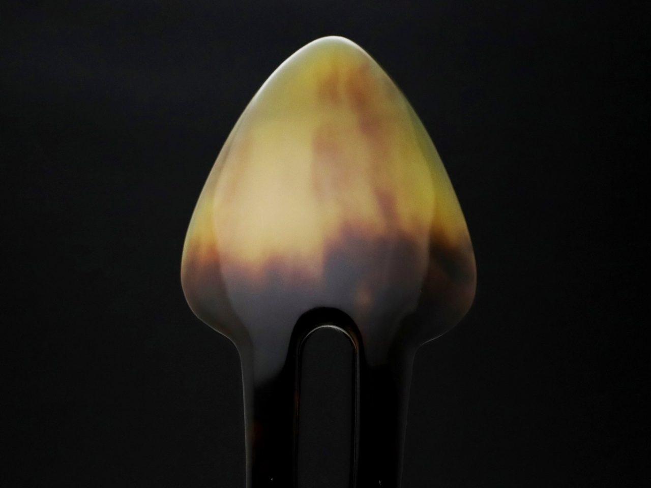 べっ甲特有の天然模様が美しい、普段使いの茨布べっ甲かんざし2020・2種|ユニークな形状のかんざし。