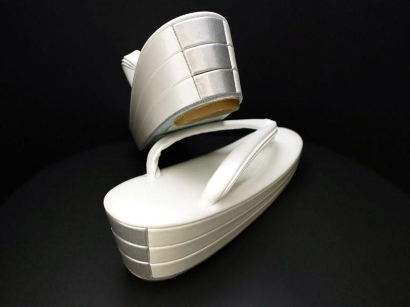 バイカラーの準礼装用の草履2020