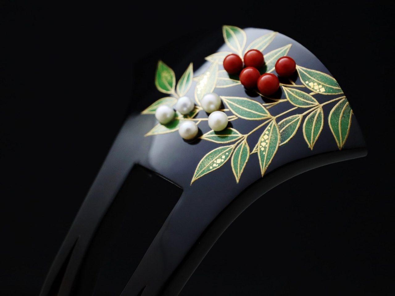 結婚式、おめでたい式典などにお勧めな縁起物のべっ甲南天雀金蒔絵かんざし2020・②