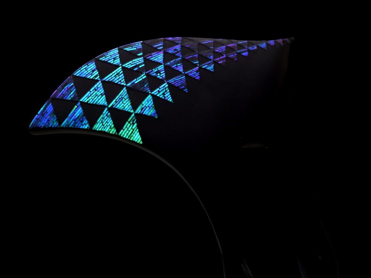 七色に輝く縁起物の鱗文様が素敵な、べっ甲螺鈿かんざし2021|希少な姫鮑を贅沢に使用|普段のキモノから準礼装の装いまでお勧め。