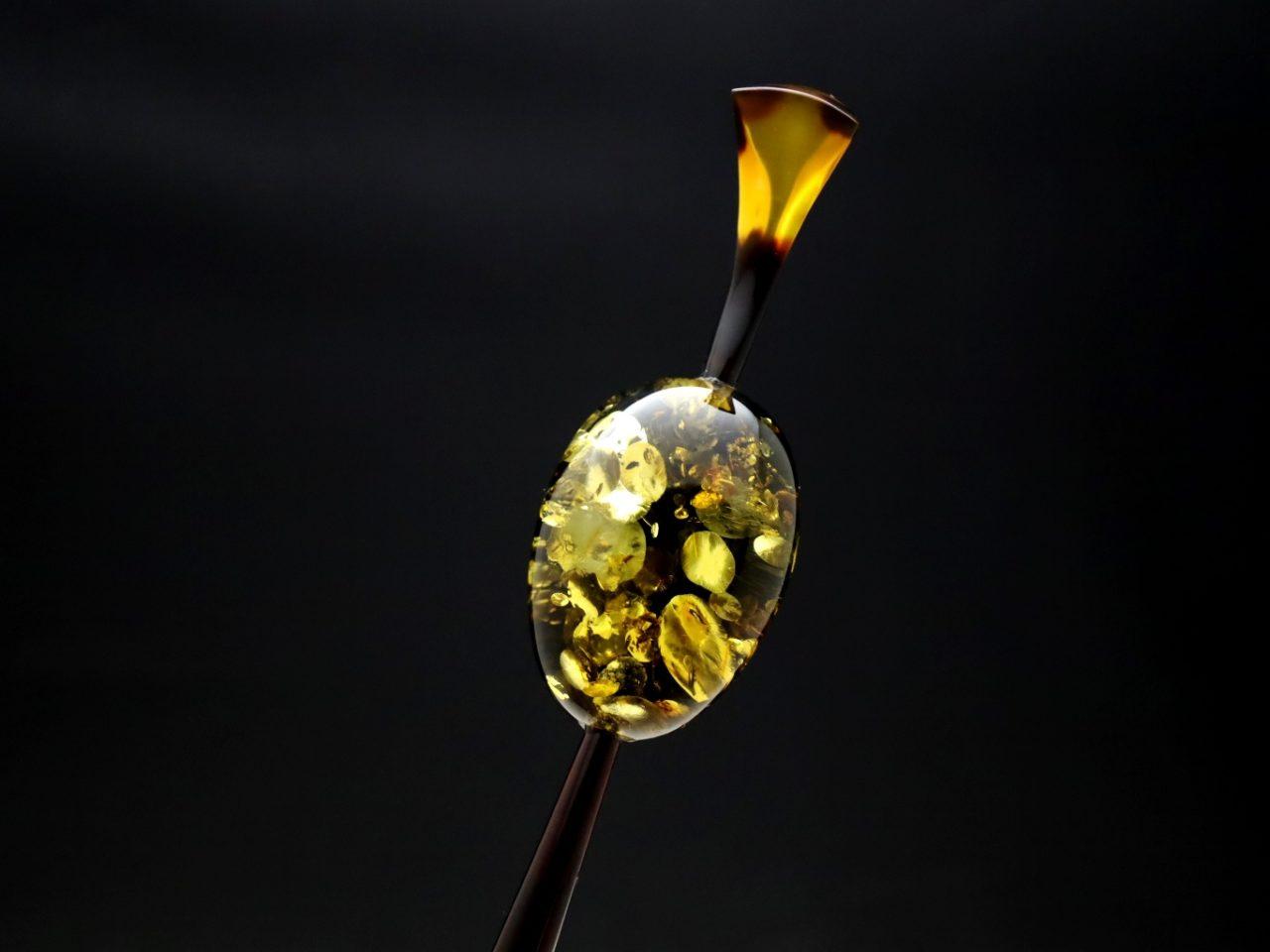 べっ甲バルティックアンバー(琥珀)一本挿し2020|唯一無二、自然が作り出す神秘的な輝き。